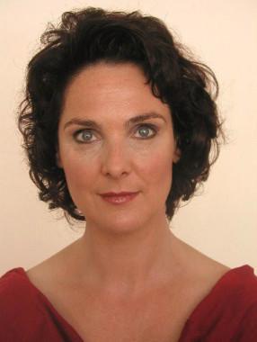 Dagmar Kasteliz, Institutsleitung